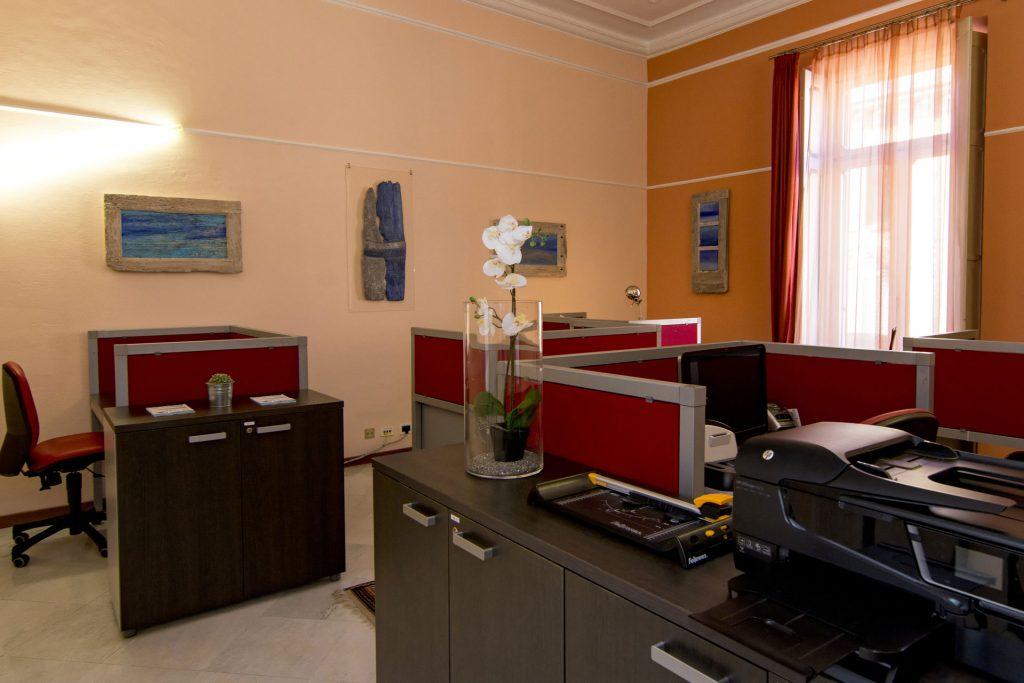 Uffici eleganti in condivisione a Novara